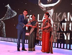 halpe tea receiving awards
